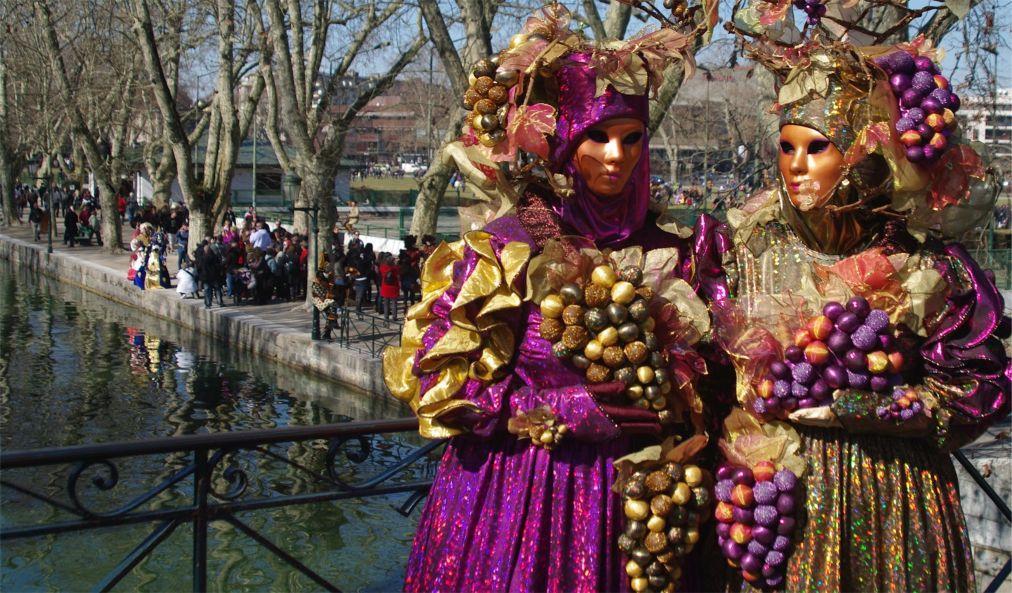 По пути к яркой весне — Венецианский Карнавал в Анси
